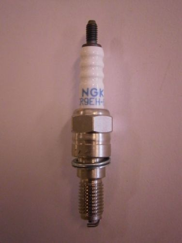 NGK ER9EH-6N sytytystulppa Vespa 4T-4V